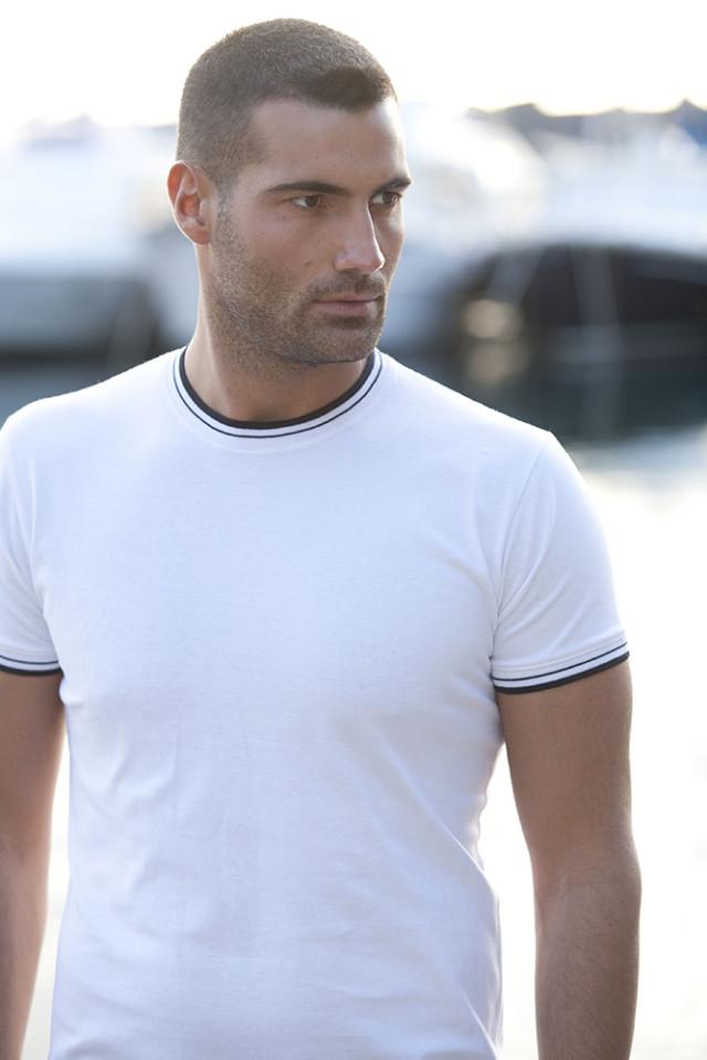 T-Shirt con Bordo Colorato 100% Cotone